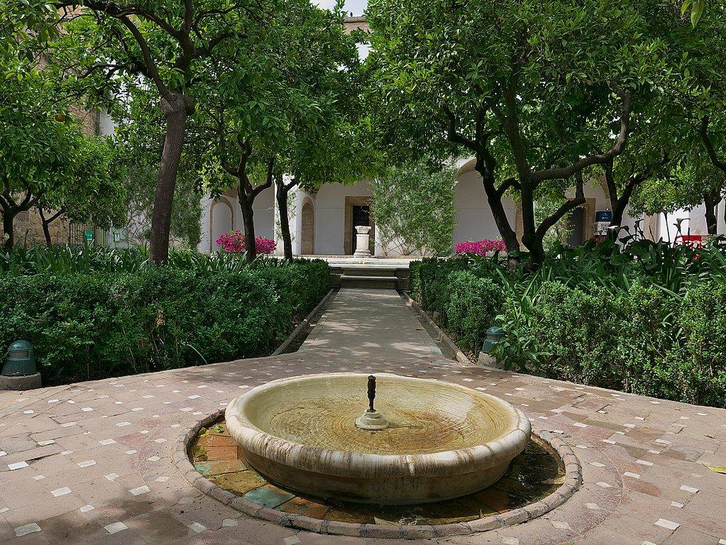 Una de las fuentes del Alcázar.