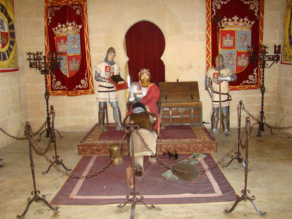 Exposición interior del Castillo de Almodóvar.