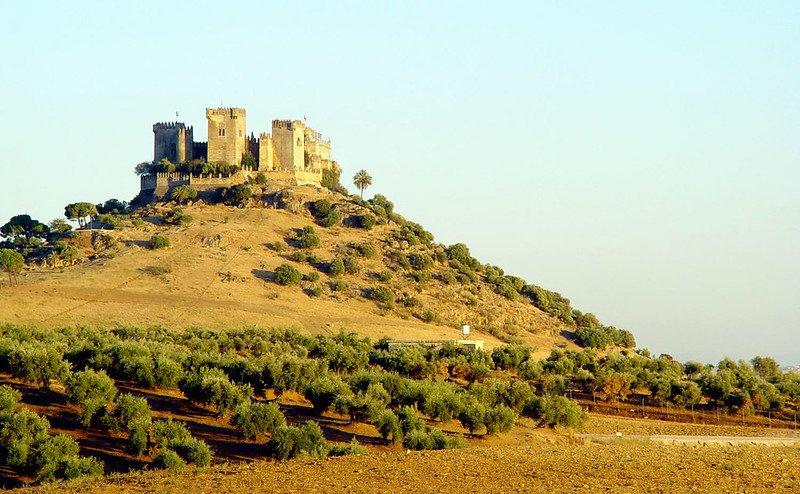 Foto desde la lejania del Castillo de Almodóvar-