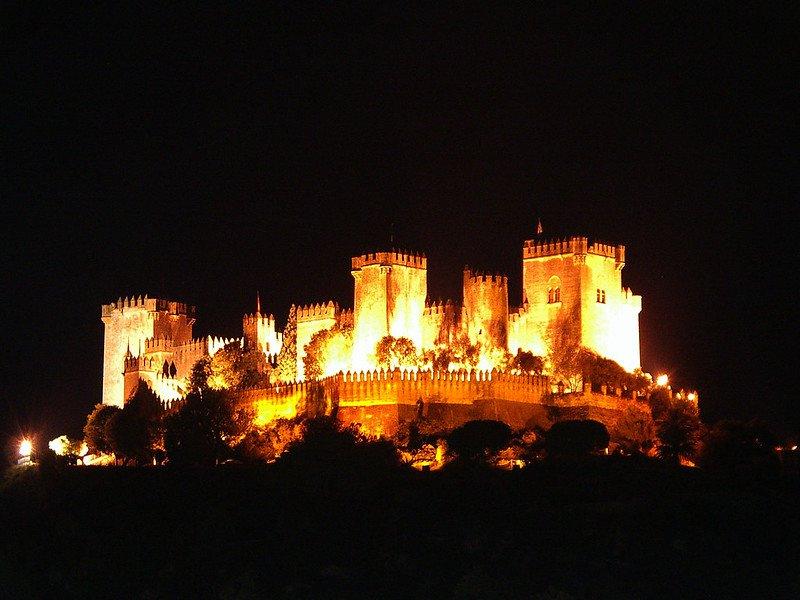 Castillo de Almodóvar de noche.