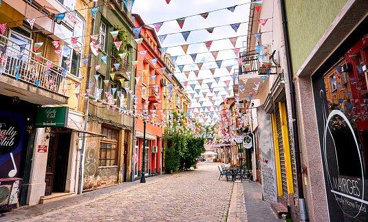 Imagen de una de las coloridas calles del Barrio de Kapana, Plovdiv