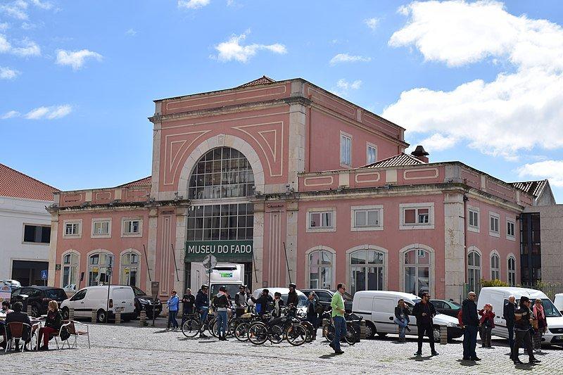 Fachada del edificio del museo del Fado