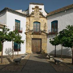 Portada del Palacio de Viana