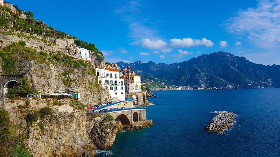 Panorámica de Atrani, en la Costa Amalfitana.