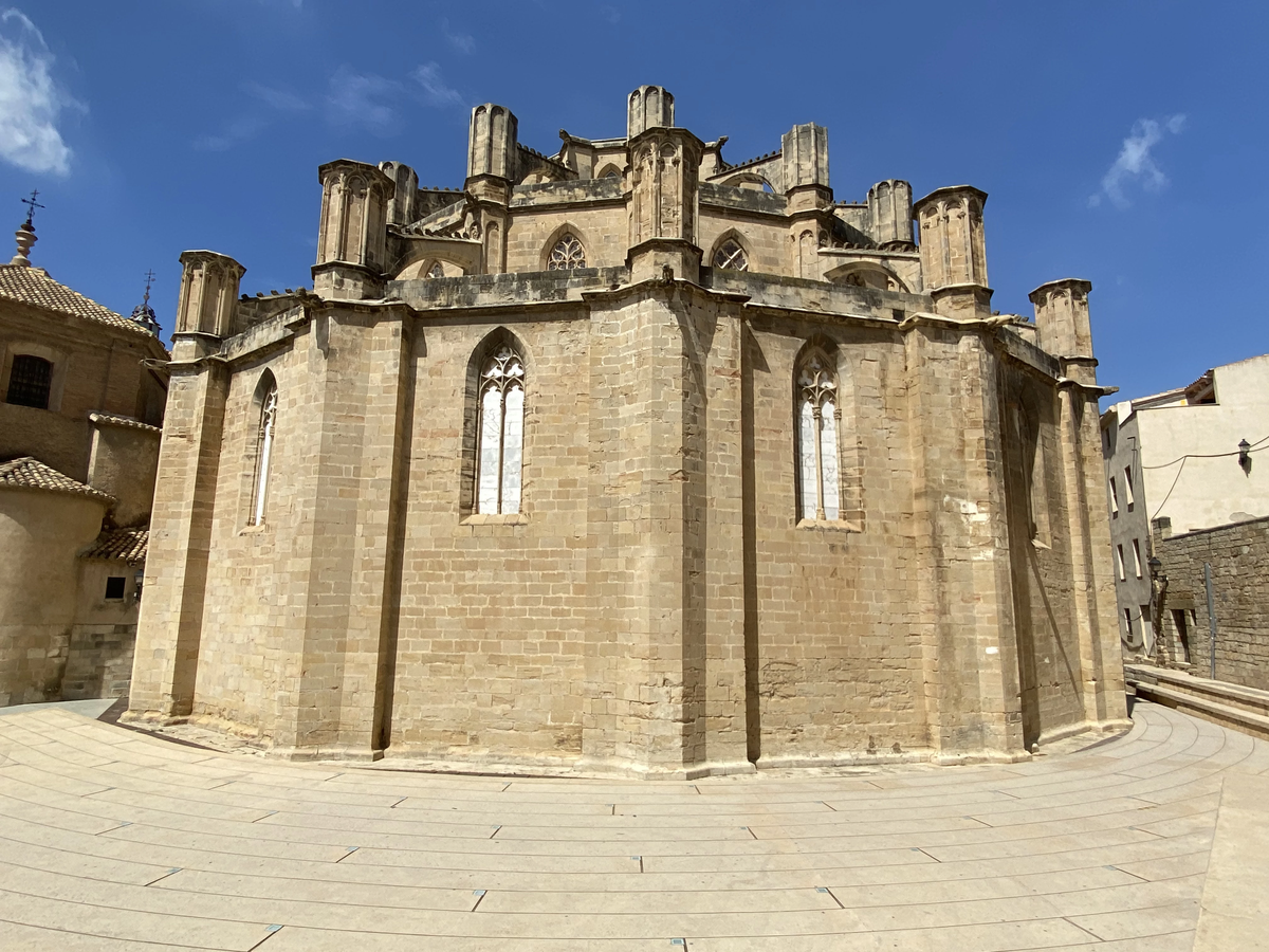 Parte exterior trasera de la Catedral de Tortosa.