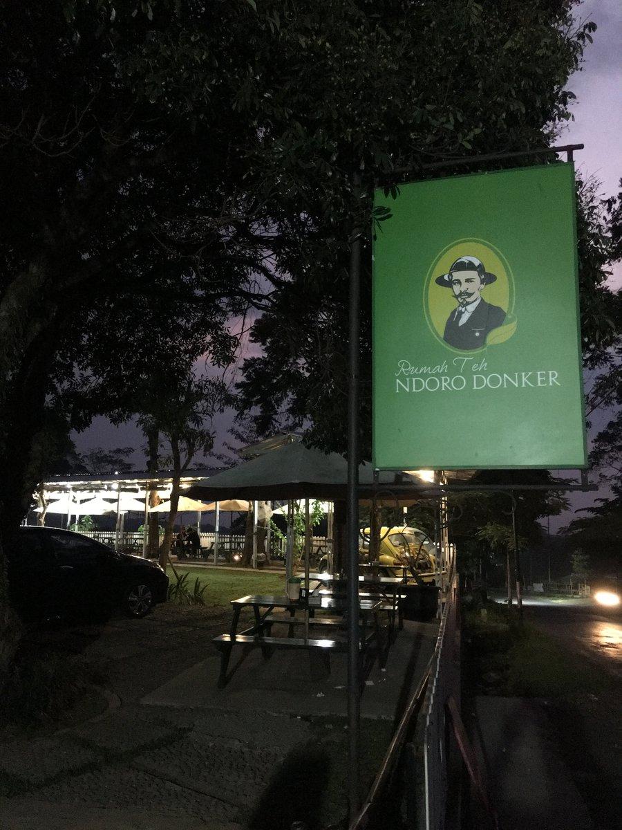Entrada Ndoro Donker