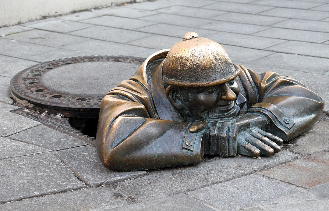 Estatua de bronce de Bratislava