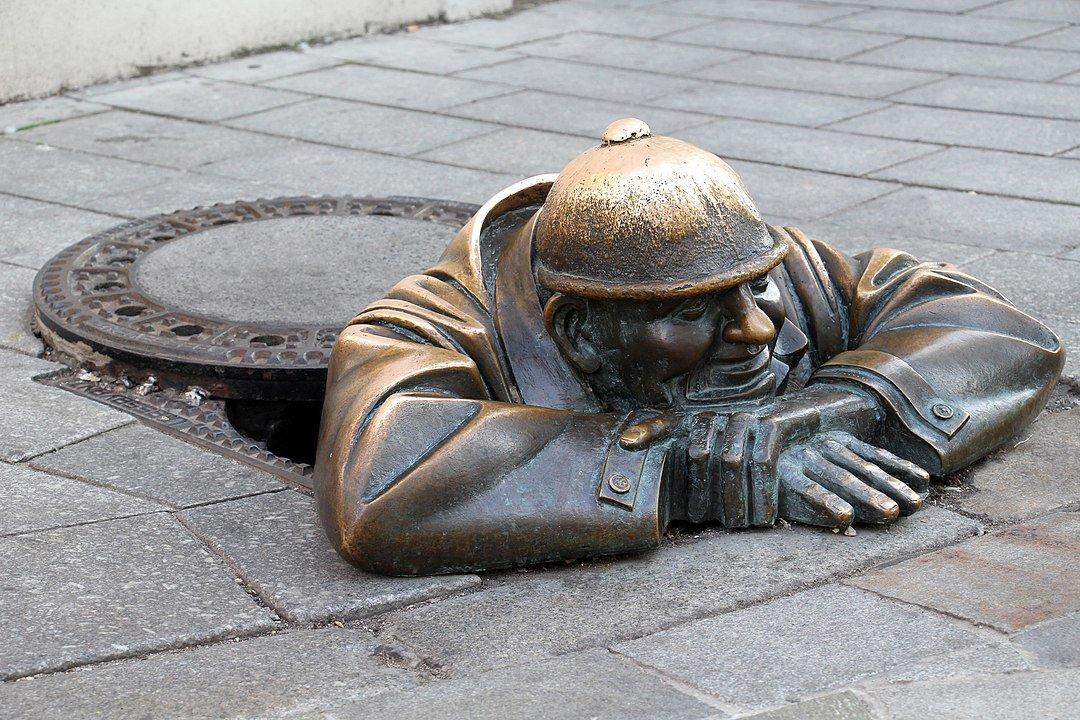 El Cumil mirón de Bratislava.