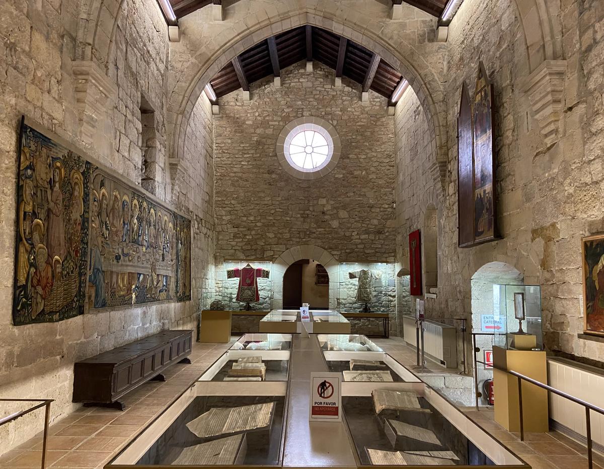 Sala de exposición permanente de la catedral de Tortosa.