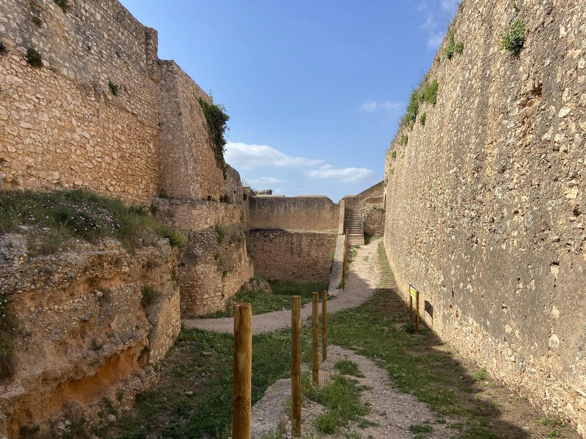 Foso de las avanzadas de San Juan en Tortosa.