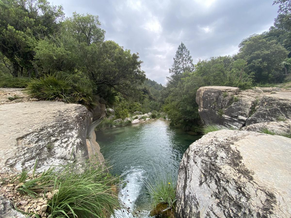 Una pequeña laguna en el Parque Natural de los Puertos.