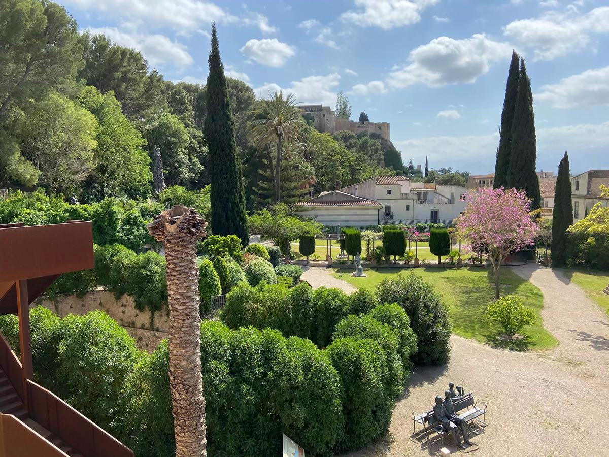 Vegetación en los jardines de Tortosa.