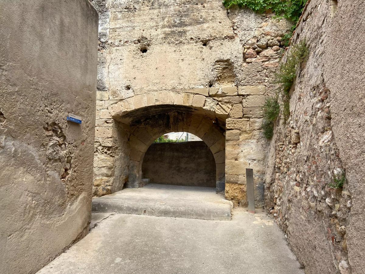 Antiguo punto de acceso para los judíos a la ciudad y a su cementerio.