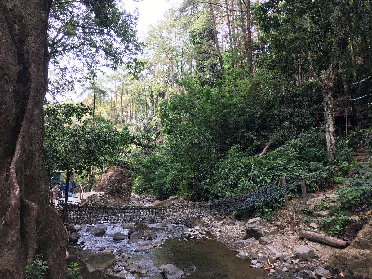 Puente en el rio