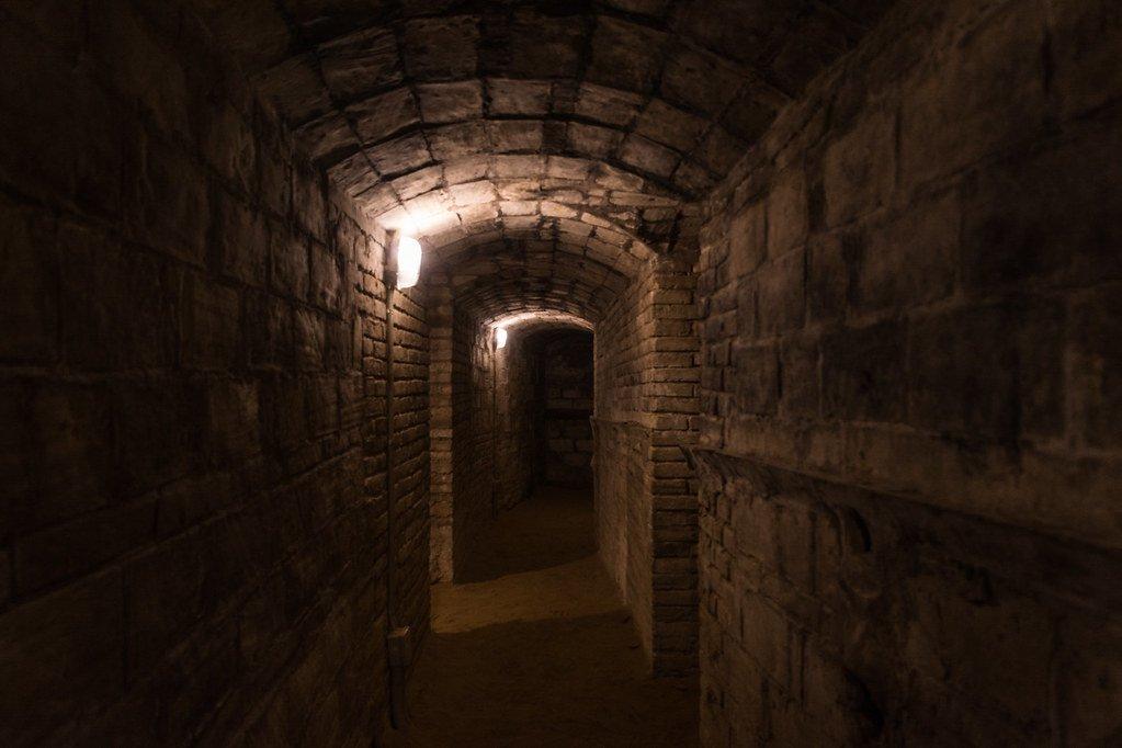 Uno de los túneles del refugio antiaéreo número 4 de Tortosa.