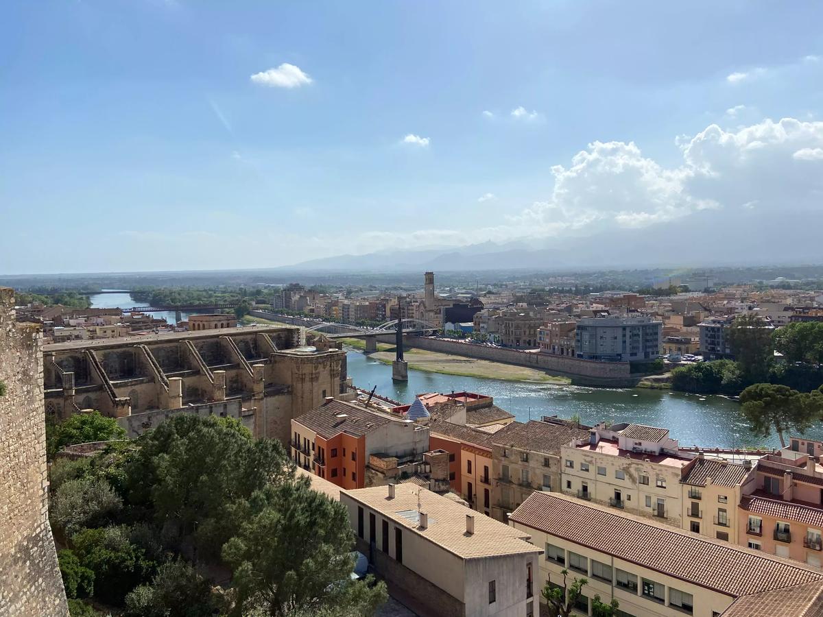 Vistas de Tortosa y del río Ebro desde el Castillo de la Zuda.